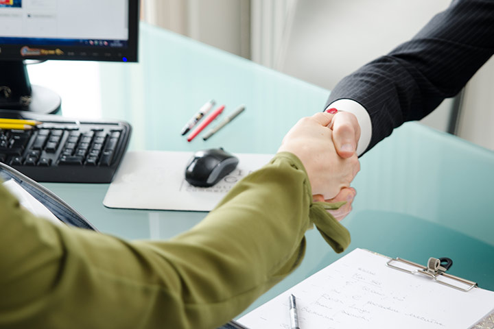 What Does An Insurance Broker Do