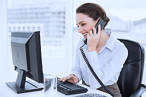 a Fairfax, VA business consultant who is on the phone with a company that would like to have your business evaluated